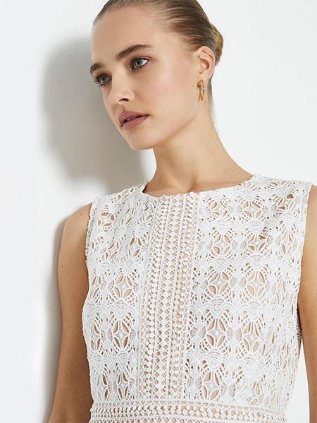 پیراهن کوتاه سفید ، آستر کرم / گیپور - کد :۳۰۱-۱۸