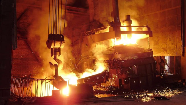 رئیس انجمن تولید کنندگان فولاد: به تأمین نیاز های تولیدکنندگان پرداخته شود