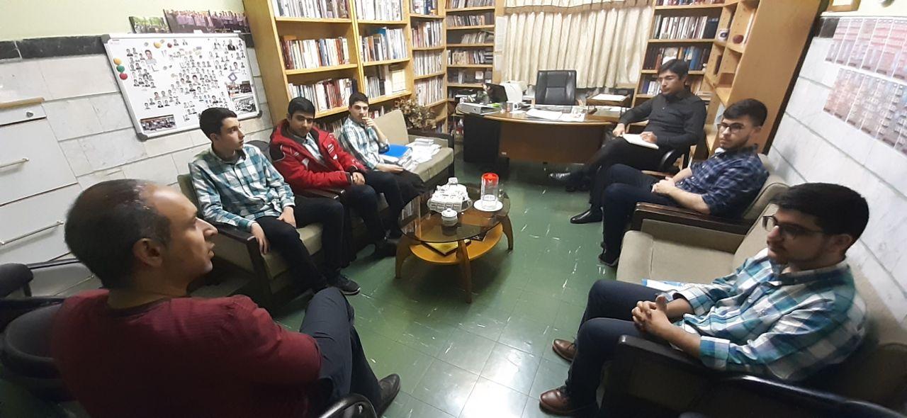 جلسه شورای دانش آموزی