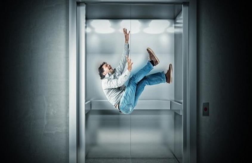 سقوط آسانسور امکان دارد ؟