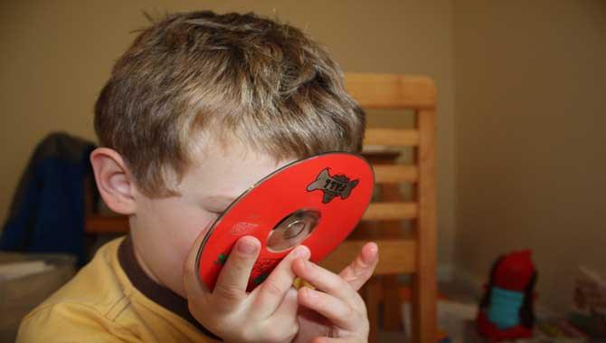 رفتار لیس زدن در مبتلایان به اختلال طیف اتیسم(اوتیسم)