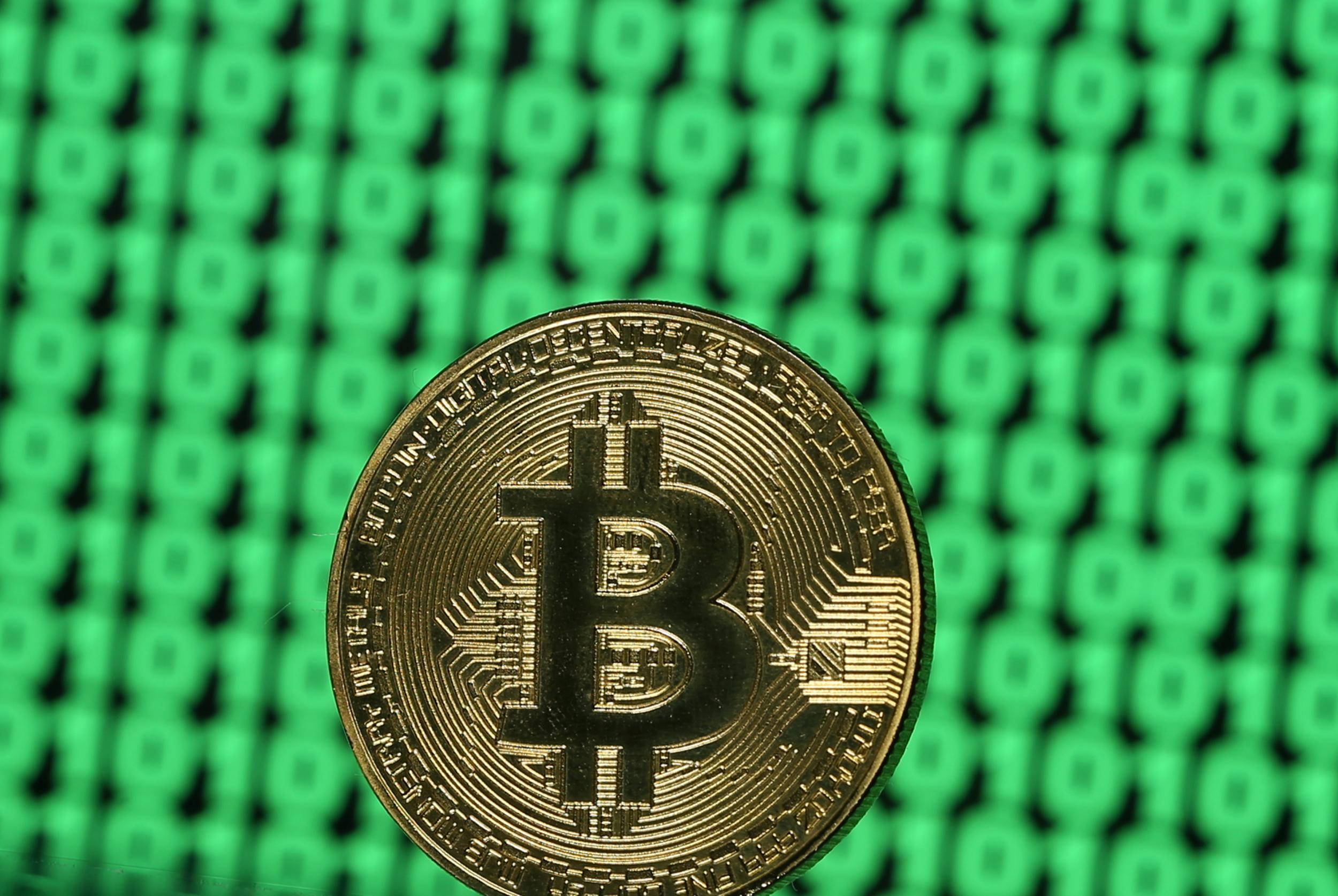 The sharp rise in Bitcoin prices after six months!