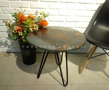 میز کافی دایره چوب گردو و رزین پایه فلزی