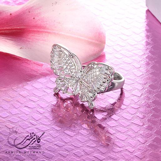انگشتر پروانه