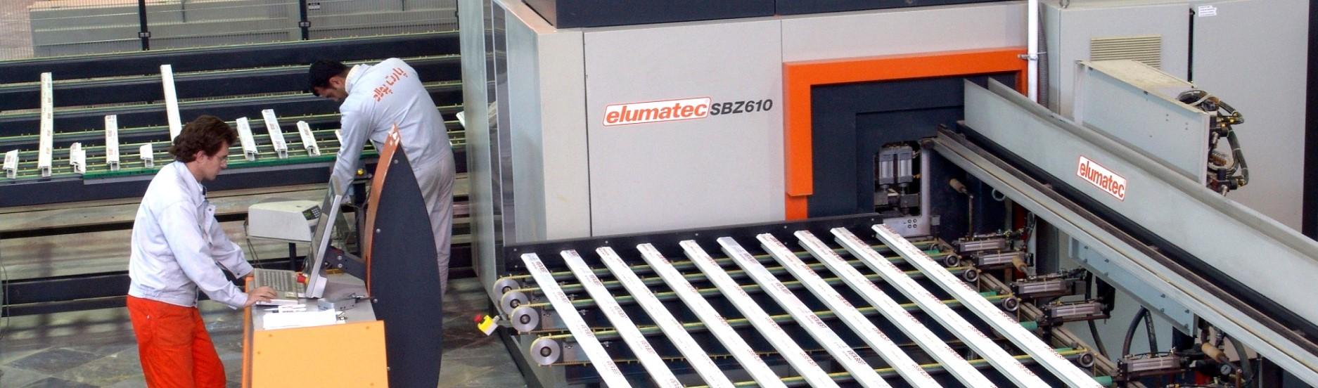 دارای ماشین آلات تمام اتومات Elumatec آلمان