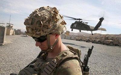ورود تفنگداران دریایی آمریکا به فرودگاه «الغیضه» در شرق یمن