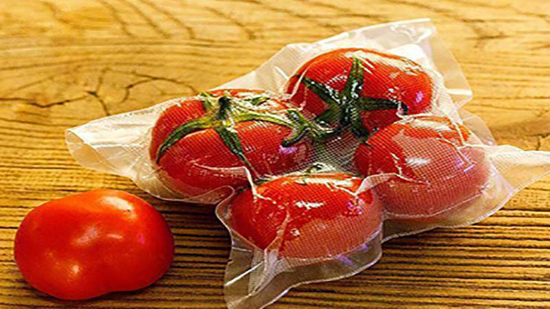 vacuum-sealing-food.jpg