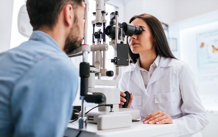 در صورت برق زدگی چشم به هنگام جوشکاری چه باید بکنیم؟