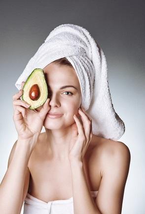آووکادو: خواص و نحوه استفاده از آن برای پوست و مو