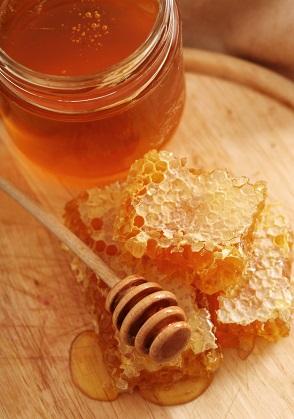 خواص عسل برای پوست صورت معجزه میکند