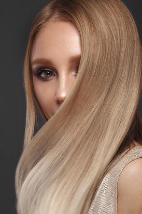 کراتینه مو چیست؛ مزایا و معایب، انواع روش ها و قیمت آن
