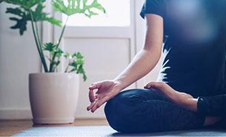 آیا می توانیم در خانه یوگا تمرین کنیم؟