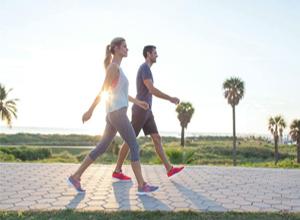 یک ساعت پیاده روی چقدر کالری می سوزاند؟