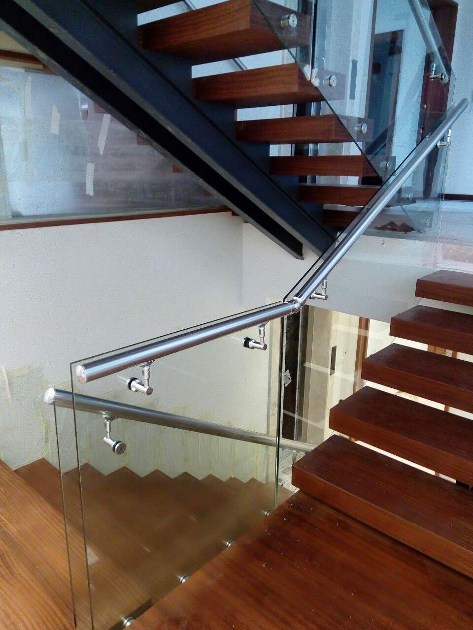 هندریل شیشه ای - گروه مهندسان مهرازان نما
