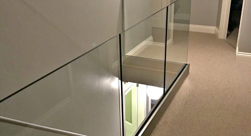انواع مدل هندریل شیشه ای