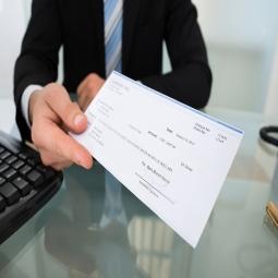 آزمون رضایت کارکنان نسبت به حقوق و دستمزد