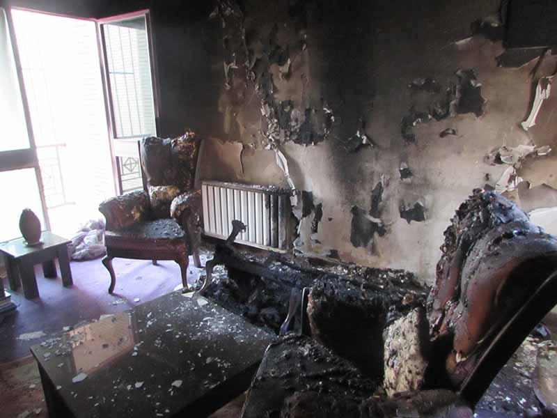 آتش سوزی یک واحد مسکونی باز هم آتش نشانان را به محل حادثه کشاند.