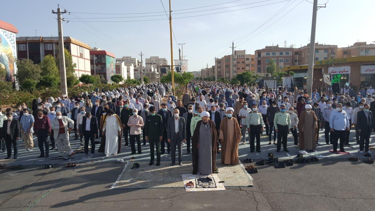 اقامه نماز با شکوه عید سعید فطر در شهر پرند
