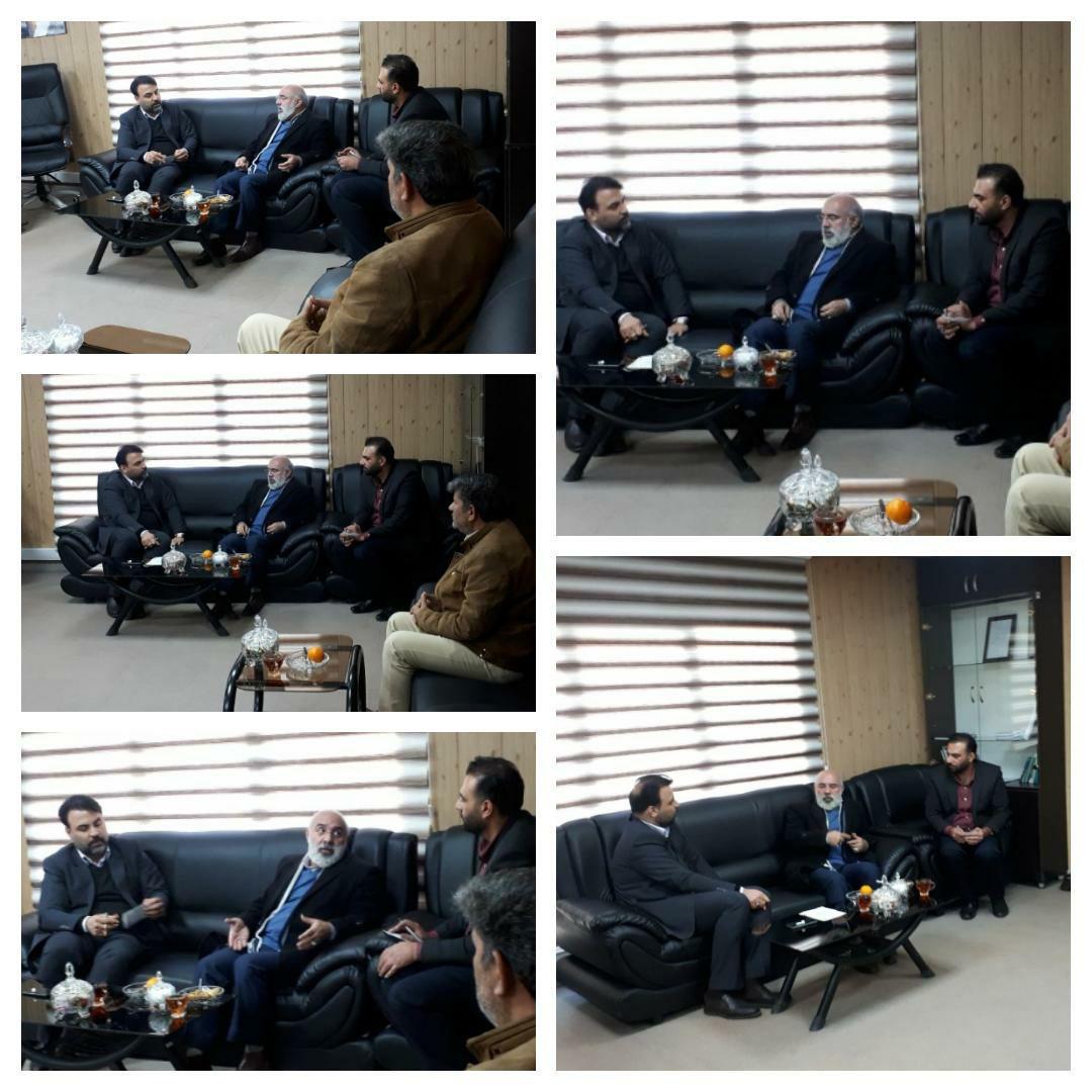 دیدار رئیس کمیسیون حقوقی، ورزش و جوانان شورای شهر و رئیس دفتر اداره ورزش و جوانان شهر پرند با مهندس عرب