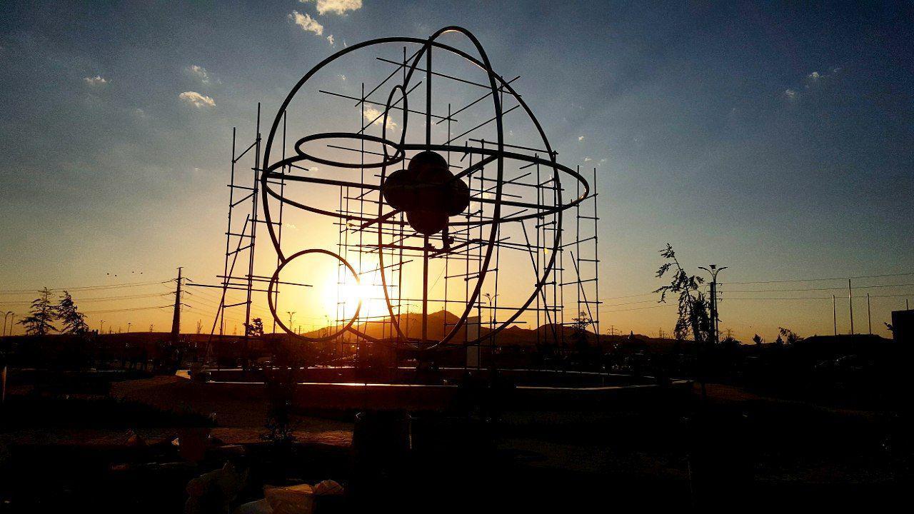بوستان بزرگ شهدای هسته ای پرند در آستانه افتتاح
