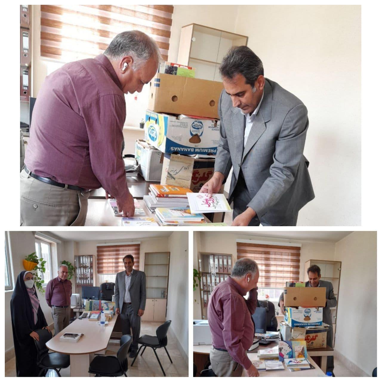 پیوستن رئیس کمیسیون اقتصاد و سرمایه گذاری شورای اسلامی شهر پرند به پویش اهداء کتاب به کتابخانه بوستان بانوان