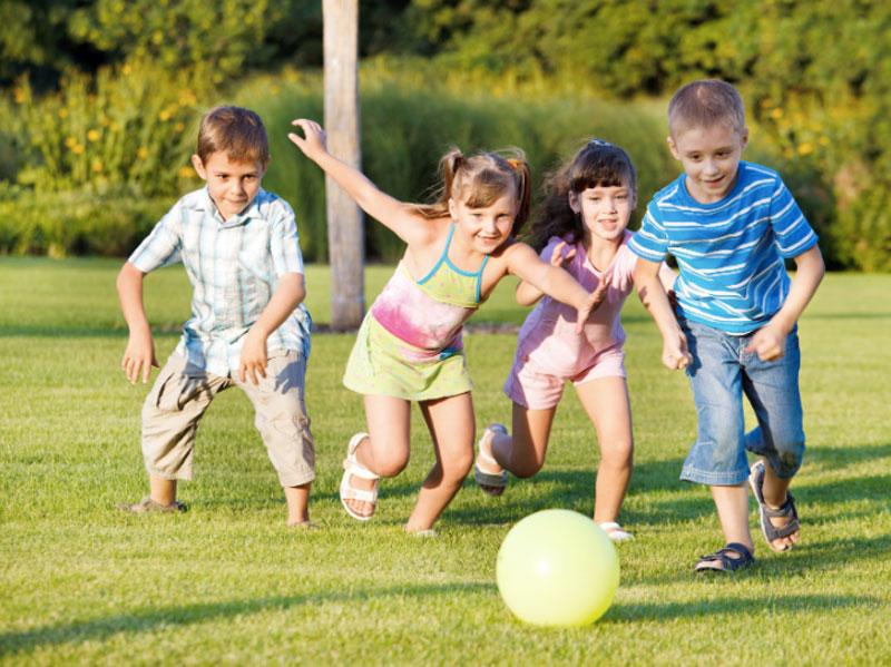 بازی های گروهی مناسب برای کودکان در تعطیلات