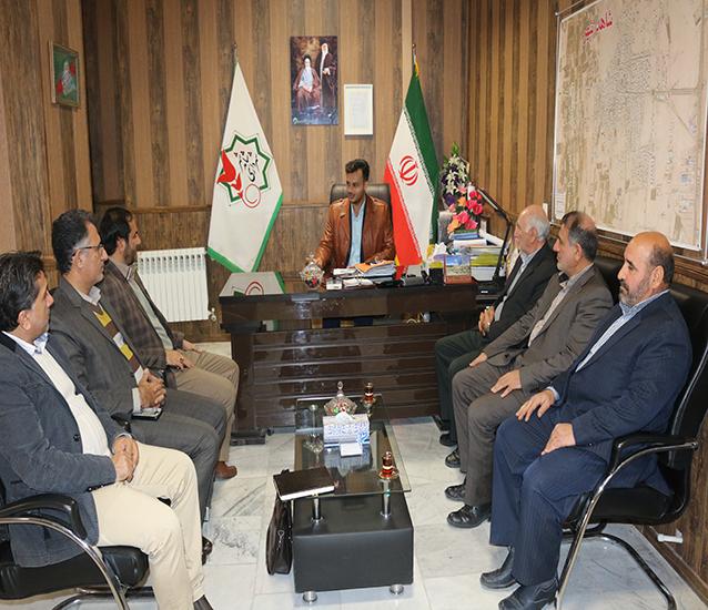 نشست هم اندیشی و برنامه ریزی شهردار با رئیس و معاون مسکن کمیته امداد امام خمینی رحمة الله علیه