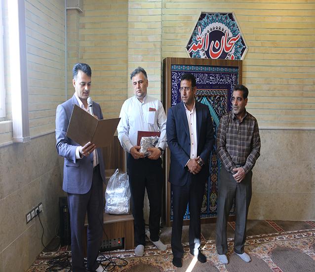 مراسم پرفیض زیارت عاشورا و تجلیل از همکاران سادات در شهرداری شاهدشهر