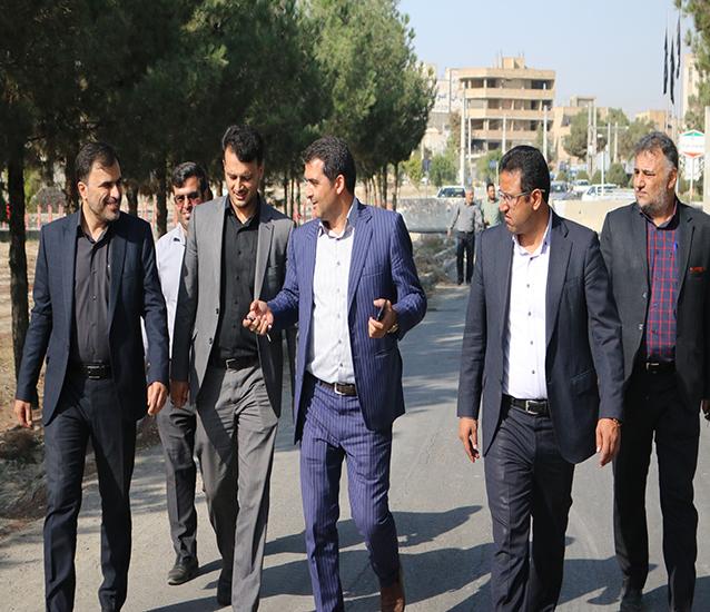 شورای شهر پشتیبان اقدامات تحول آفرین / بازدید معاونت عمرانی فرمانداری شهریار از پروژه جاده سلامت در شاهدشهر