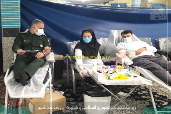 به مناسبت هفته بسیج ، رزمایش اهدای خون با شعار «هر اهدای خون یک ایثار است» در پایگاه انتقال خون سیار شاهدشهر برگزار شد