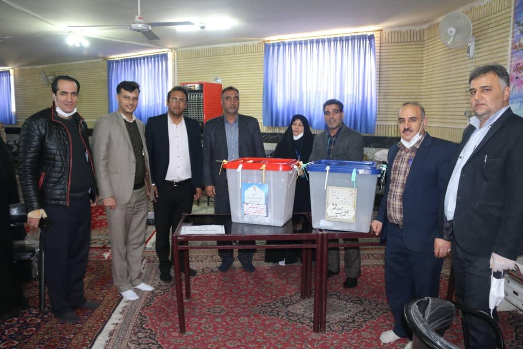 بازدید شهردار به همراه اعضا شورای اسلامی از حوزه های انتخاباتی شاهدشهر