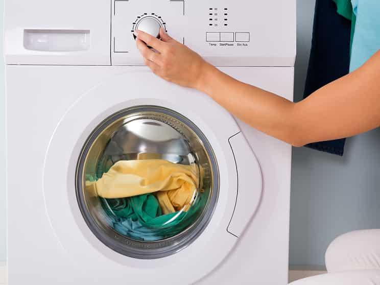 مناسبترین دمای آب در شست و شو با ماشین لباسشویی