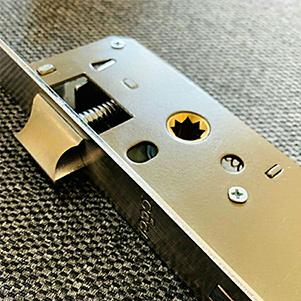 قفل پهن سرویسی 65 میل (راگا)