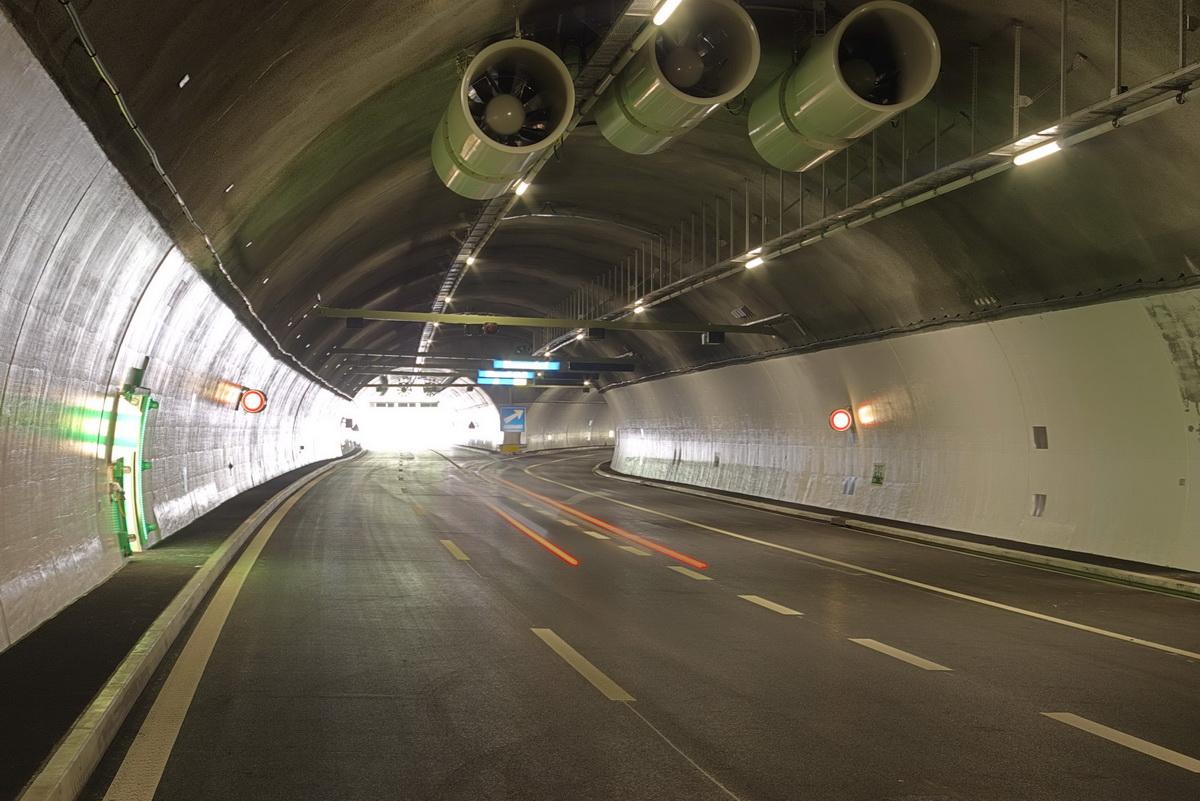 طراحی و شبیه سازی تهویه تونل و تهویه صنعتی