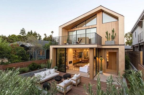 بررسی دوام خانه چوبی در مقایسه با سازههای دیگر