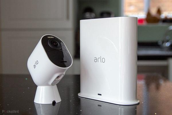 Arlo Ultra: بهترین دوربین مداربسته بی سیم در فضای باز
