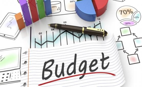 تصمیم گیری دربارۀ بودجه تبلیغ