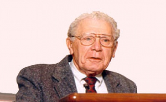 راسل اکاف