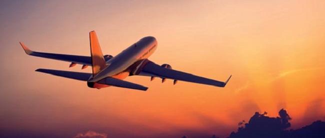 هواپیمایی که مسافران را به مقصد می برد