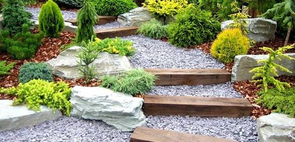 تزیین باغچه با پوکه بادامی سفید