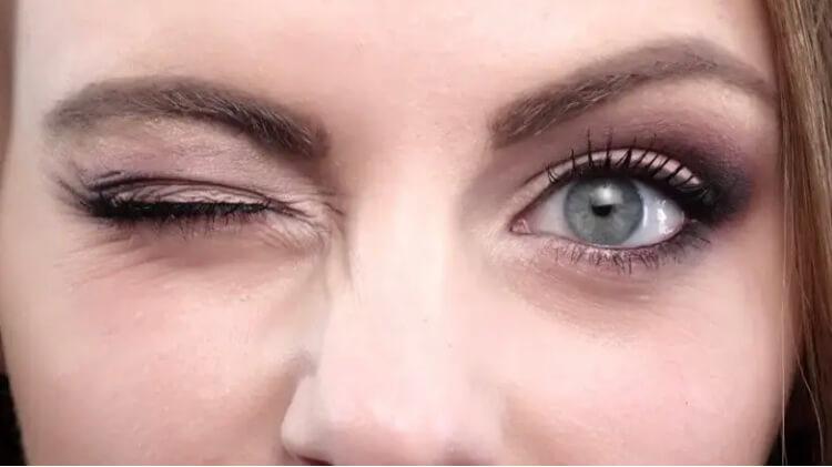 برای محافظت از چشمان خود دربرابر گوشی یا تبلت پلک بزنید