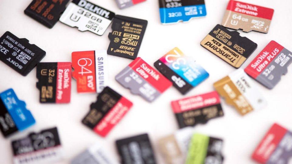 تصاویری از کارت حافظه ها با فضاهای متفاوت